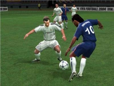 Screen ze hry FIFA Soccer 2004