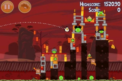Screen ze hry Angry Birds Seasons