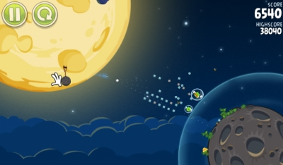 Screen ze hry Angry Birds Space
